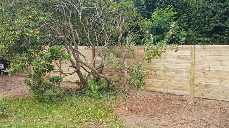Palissade en bois sur mesure par Greenrod - votre partenaire multi-services